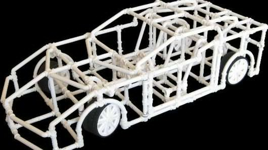 Crossbeams makes it easy to freely create or to design and assemble a huge range of toys