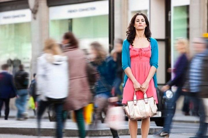 PAHS_Woman-BusyStreet-002.jpg