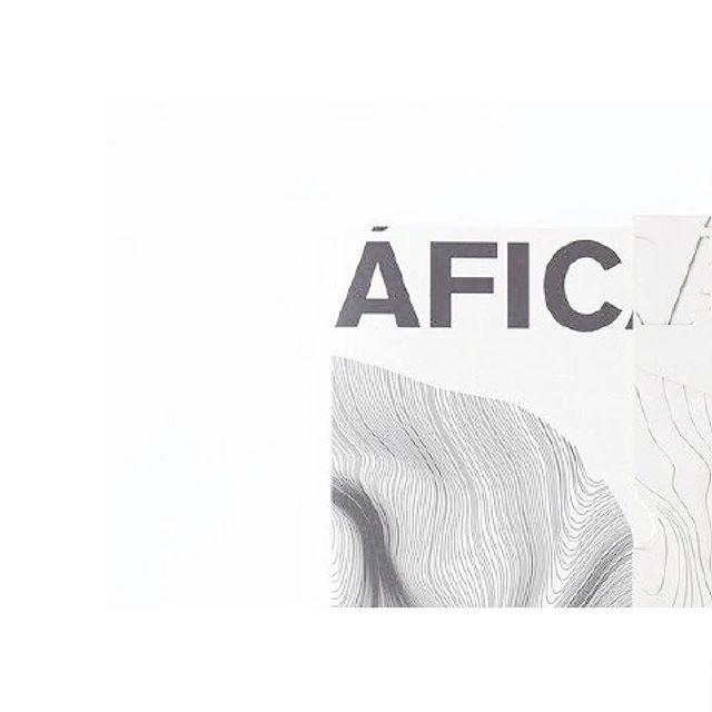GEOGRÁFICA incluye proyectos de Felipe Escudero y los entreteje con textos de varias figuras: cineastas, periodistas, ecólogos, editores, historiadores, investigadores y diseñadores. * * * Dirección: @felipe_es_cudero - Editorial: Trama Traducción y edición: Valentina Bravo. Diseño y fotografía: @karibarragan4  Diseño visual y pop - up: @sergiosilvando  Ilustraciones: @lunalunares  Autores: @dacki_guacki , @manijeh.verghese , @francescolipari_ , Manuela Ribadeneira, Jorge Gómez Tejada, Diego Arteaga, @andrew.richard.haas , Roque Sevilla, Carlos Hidalgo, Ileana Viteri, @mathieudegenot , David Santillán, Luis López López  Con el apoyo de: @adiezecuador , @laholandesaec , @sweets.ec  Fotografía: @saulendara * * * * #buildings #architecture #architects #interiordesign #design #art #architecturephotography #architecturelovers #architectures #buildingporn #geometric #building #urbanart #citylife #cityscape #conceptbuilding #architecture_hunter #designboom #dezeen #architizer #superarchitects #arquitectura #designbunker #startarchitects #architecturedose #architectureapes #corporativearchitecture #urbandesign #interiordesign #interior_design * * * #buildings #architecture #architects #interiordesign #design #art #architecturephotography #architecturelovers #architectures #buildingporn #geometric #building #urbanart #citylife #cityscape #conceptbuilding #architecture_hunter #designboom #dezeen #architizer #superarchitects #arquitectura #designbunker #startarchitects #architecturedose #architectureapes #corporativearchitecture #urbandesign #interiordesign #interior_design