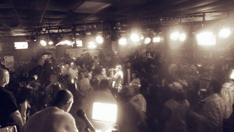 Capone Crowd