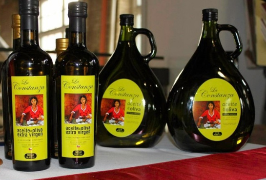 Branding and label of a new brand of Olive Oil La Constanza. 2012