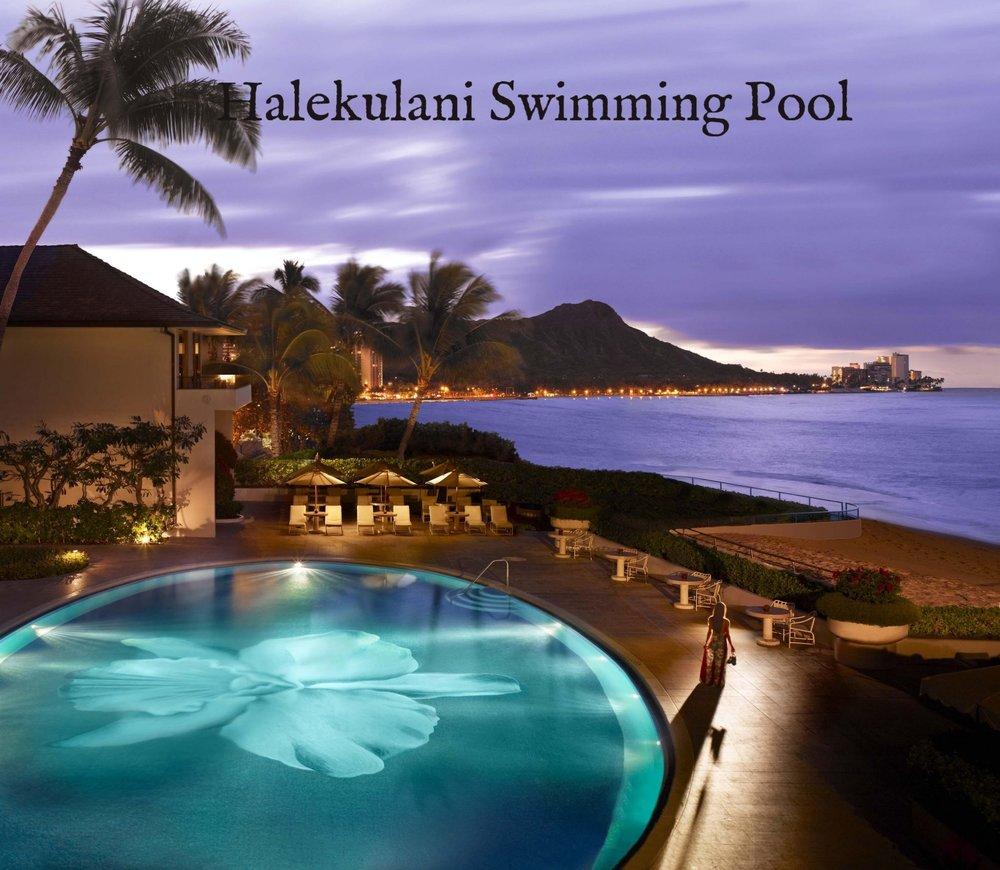 Halekulani-Swimming-Pool-at-Night.jpg