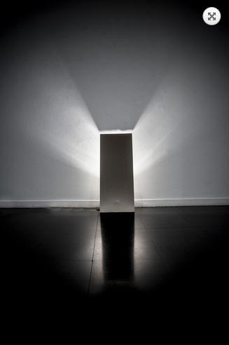 Fondazione Mudima, Milano, Maggio 2015, J. Takamatsu - Light and Shadow, 1970/2012, piastra d'acciaio e lampadina 90x36 cm. © Foto di Fabio Mantegna per Fondazione Mudima