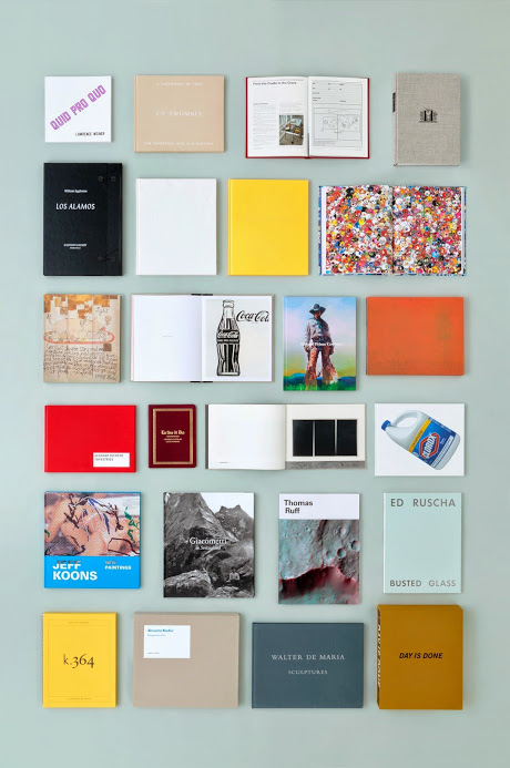 GAGOSIAN - ガゴシアンギャラリーは学術的なモノグラフ、革新的なカタログ、またジョン・クリン、ジェフ・クーンズ、村上隆、パブロ・ピカソ、エド・ルシェ、リチャード・セラ、アンディ・ウォーホルなど多数の近代コンテンポラリー作家の限定版を扱う貴重な出版社。世界的に活躍する作家とのユニークなコラボレーションや数多くの展示会は毎年行われ、新しい取り組みのなかにはe-books、定期購読の季刊誌、そして年2回の新聞があります。今回のTABFでは、Gagosianがこれまでに刊行してきた作品集に加え、季刊誌の[Gagosian Journal]や[Gagosian Quarterly]も取り扱います。