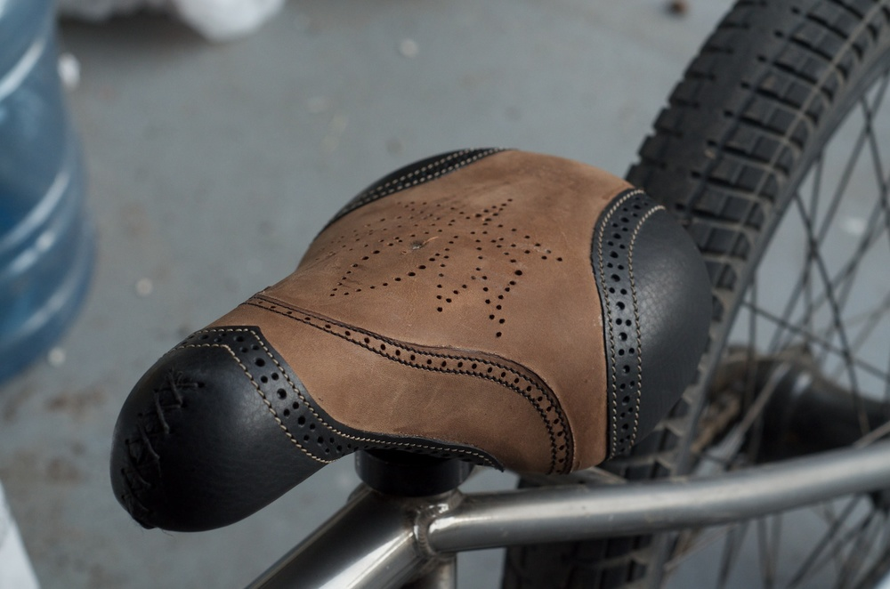 CARSON_LEH_SPLY_MFG_CUSTOM_LEATHER_BIKE_SADDLES_SEATS 35.jpg