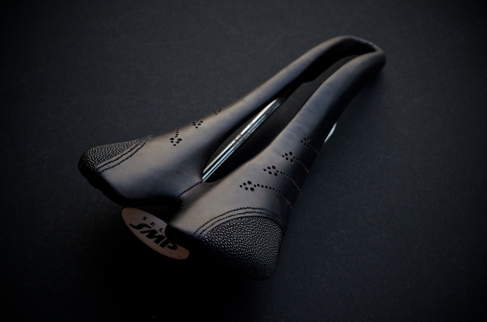 SELLE ITALIA-SMP-Evolution-Stingray-Leather-reupholster-custom-selleitaliasmp-oilskin-oil-skin-bike-bicycle-repair-fixie-handmade-leh-seats-bespoke-nahbs2014- 4.jpg