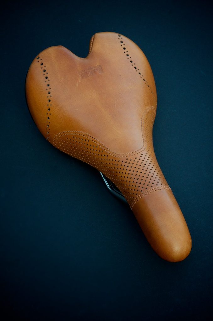 Fizik-Aliante-Gamma-K-ium-Carbon-Italian-leather-Custom-handmade-bike-bicylcle-fixie-saddle-seat-brogue-shoe-dress-style-menswear-Leh-seats-recovered-covered-reupholstered-made-in-austin-texas 7.jpg