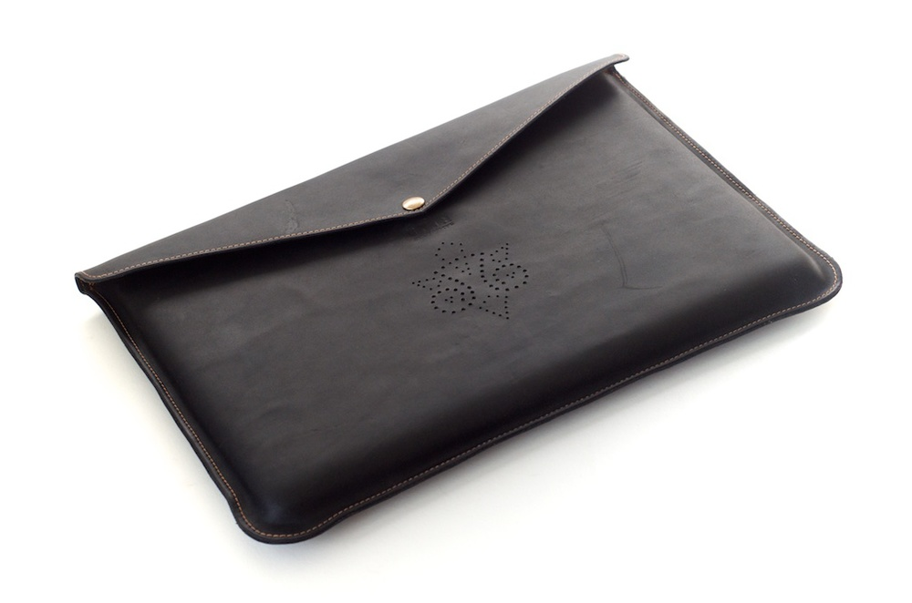 hand-made-usa-texas-austin-leather-black-gold-silk-lined-snap-macbook-macbookpro-retina-13%22-15%22-case-laptop-case-luxury-italian-brogue-leh-carson-style 5.jpg