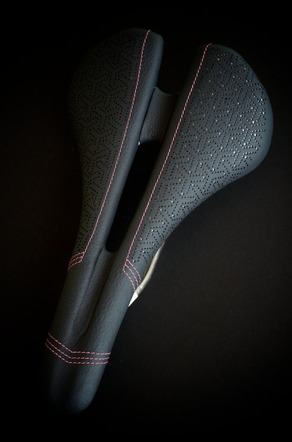 Specialized Bicycle Components-saddle-Romin-expert-custom-leather-japanese-dots-pink-silver-grey-handmade-austin-leatherworking-busyman-leh-seats-matching-barwrap-usa-real-hide-brooks-leh-seats-custom-manufacturing  8.jpg