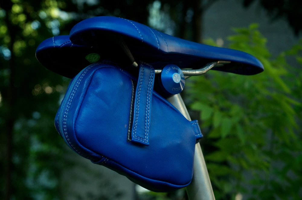 Custom-blue-leather-Selle_Italia-SLK-recover-repair-saddle-bag-handmade-Austin-texas-Willits-eriksen-vintage-brooks-busyman-grey-seat-vintage 4.jpg