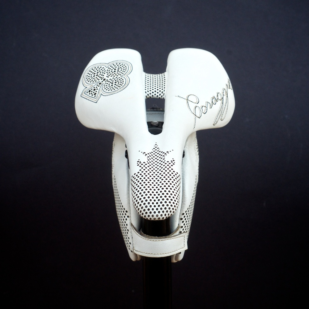 Leh-Seats-Custom-leather-bike-saddles-bag-colnago-c59-c60-white-gold-black-cycling-road-track-specialized-romin-evo-155 4.jpg