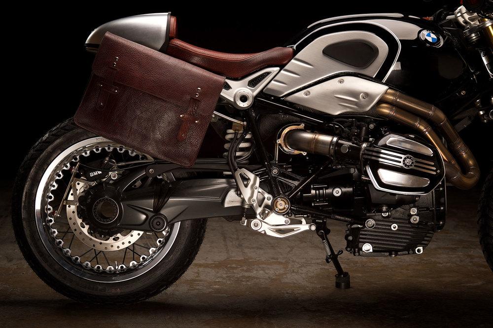 Revival-Cycles-Custom-Build-2014-BMW-RNineT-v2-068-2000w.jpg