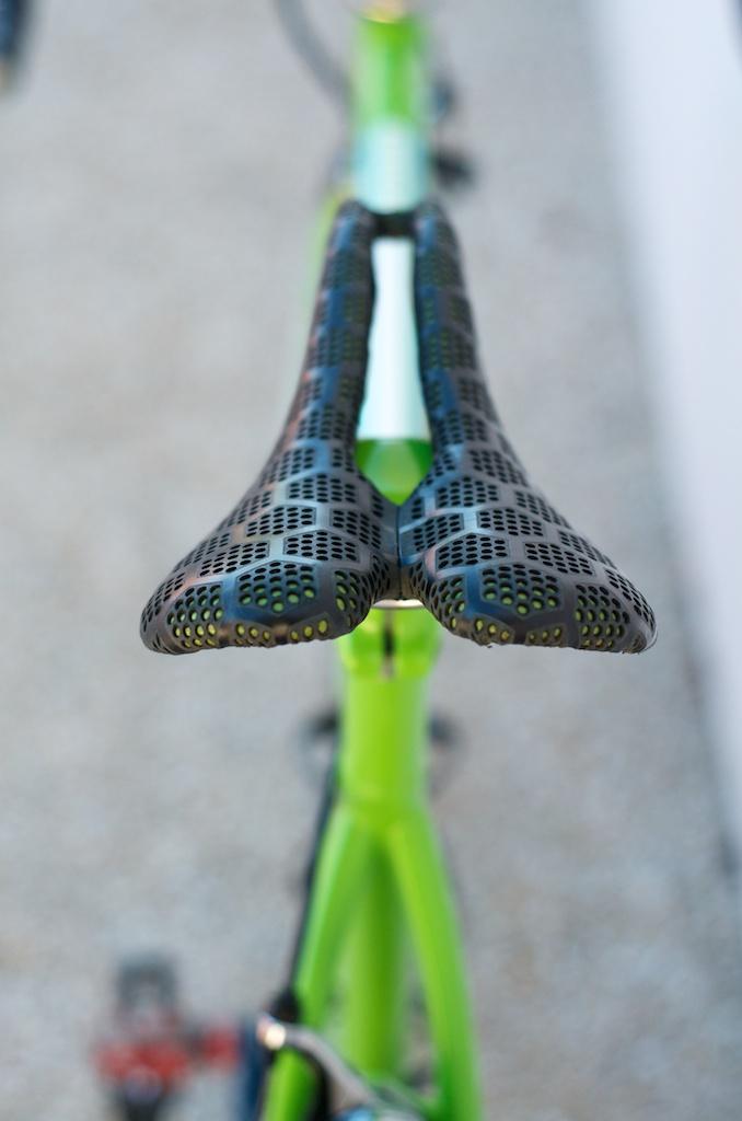 Speedvagen bikes-green-custom-bike-roadbike-black-barwrap-smp-honeycomb-handbuilt-Austin Texas-Leh-seats-bikes-velo 4.jpg