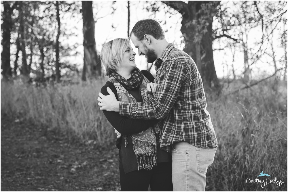 romantic-fall-engagement-in-the-country-davisburg-mi-photos_0024.jpg