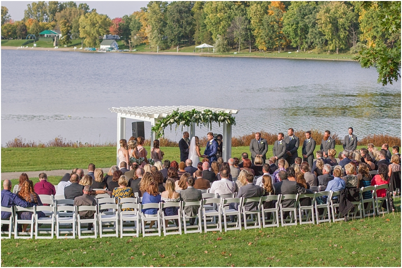 vintage-fall-waldenwoods-resort-wedding-photos-in-hartland-mi-by-courtney-carolyn-photography_0120.jpg