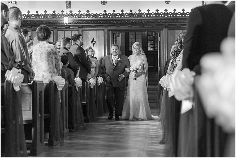 timeless-grosse-pointe-academy-wedding-photos-in-grosse-pointe-mi-by-courtney-carolyn-photography_0020.jpg