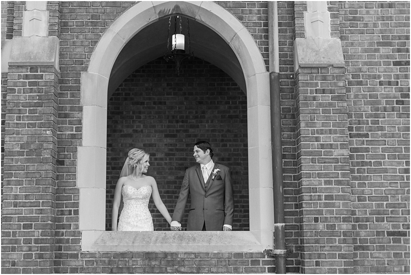 timeless-grosse-pointe-academy-wedding-photos-in-grosse-pointe-mi-by-courtney-carolyn-photography_0049.jpg