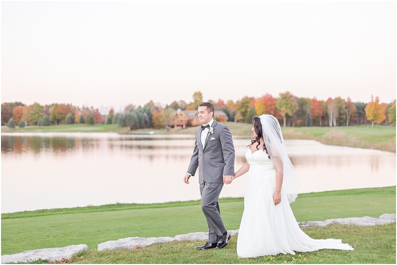 fall-port-huron-mi-wedding-photos-at-solitude-links-golf-course-by-courtney-carolyn-photography_0117.jpg
