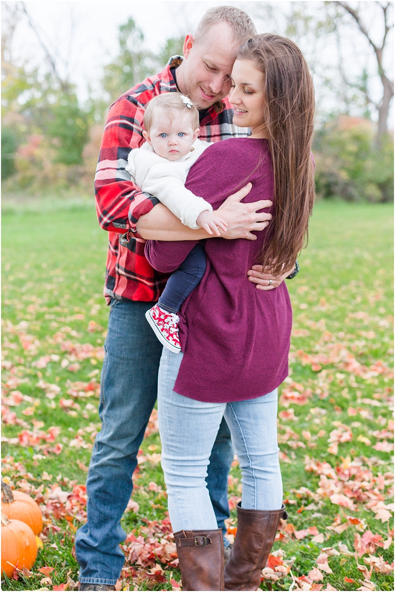 fall-fine-art-lifestyle-family-portraits-in-monroe-mi-by-courtney-carolyn-photography_0005.jpg