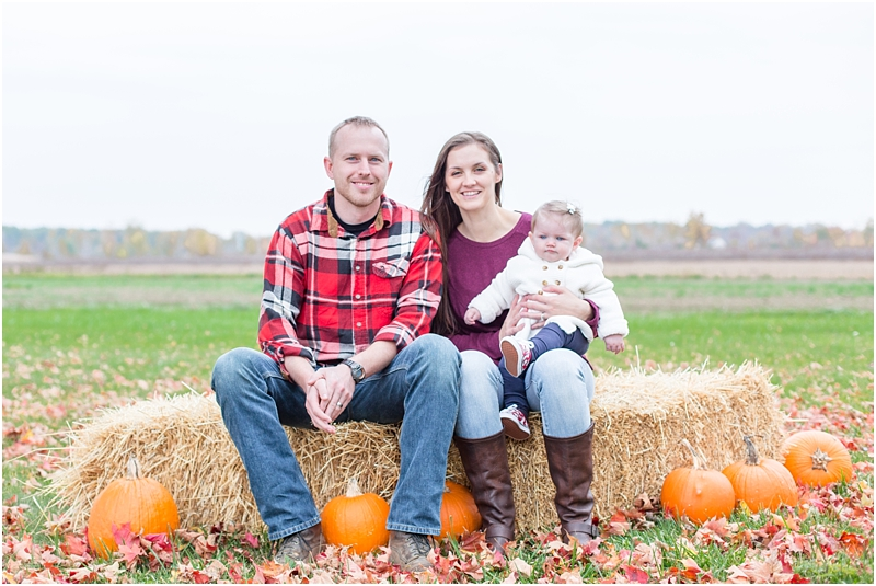 fall-fine-art-lifestyle-family-portraits-in-monroe-mi-by-courtney-carolyn-photography_0013.jpg