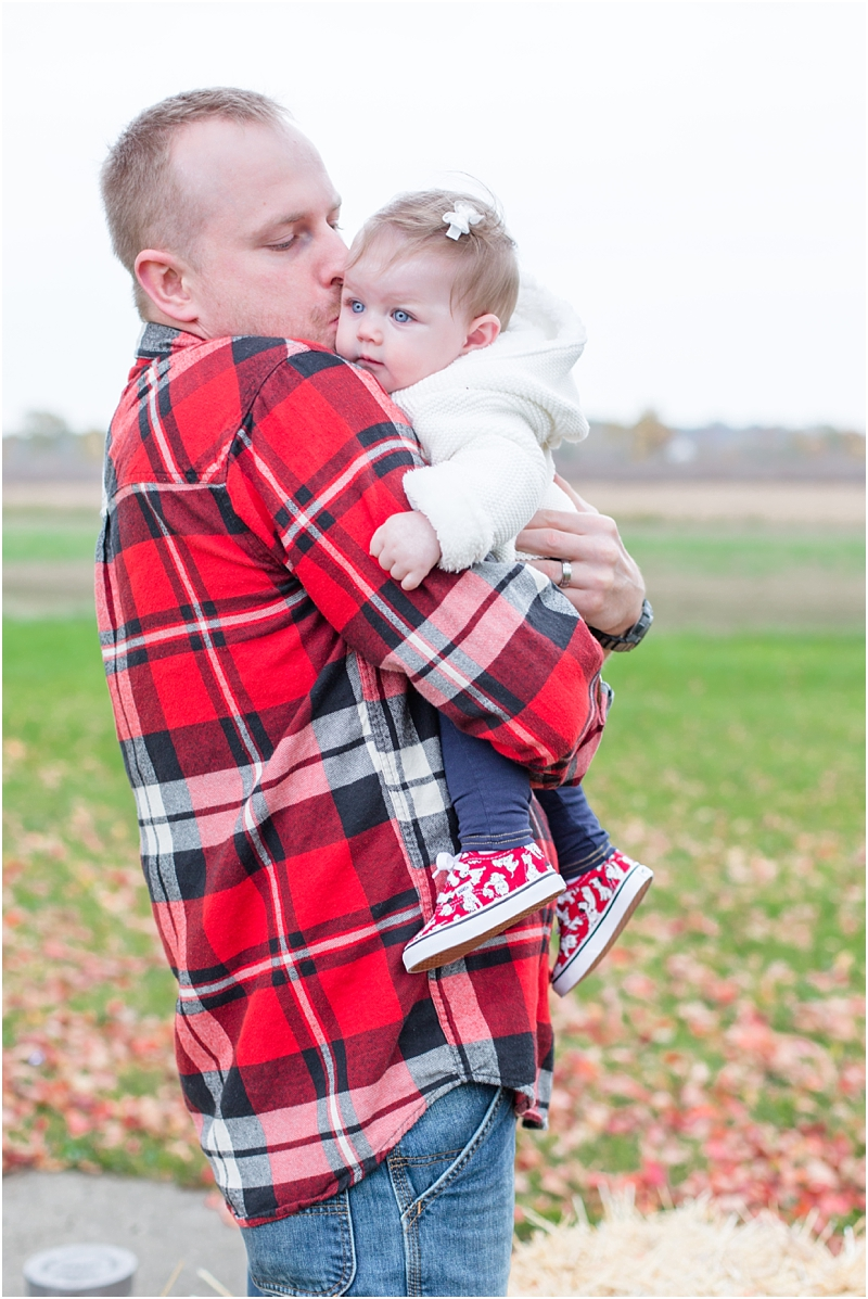 fall-fine-art-lifestyle-family-portraits-in-monroe-mi-by-courtney-carolyn-photography_0020.jpg