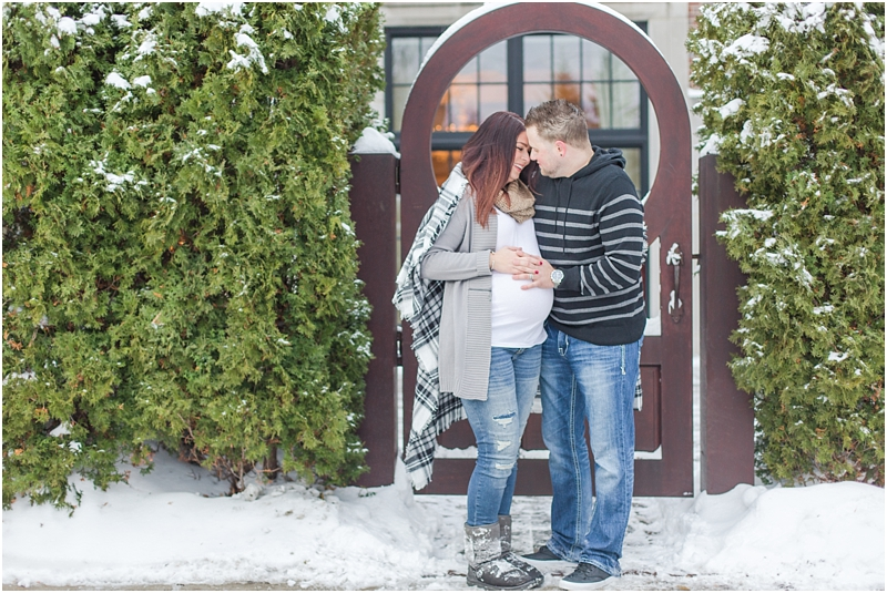 winter-maternity-portraits-in-rochester-mi-at-the-royal-park-hotel-by-courtney-carolyn-photography_0023.jpg