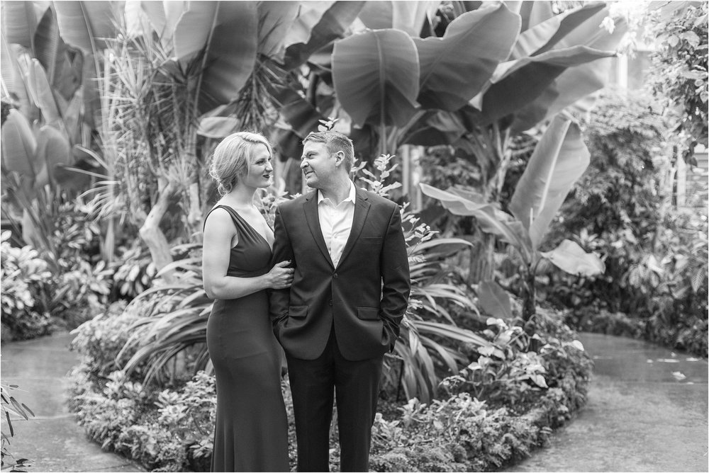 elegant-classic-belle-isle-conservatory-engagement-photos-in-detroit-mi-by-courtney-carolyn-photography_0003.jpg