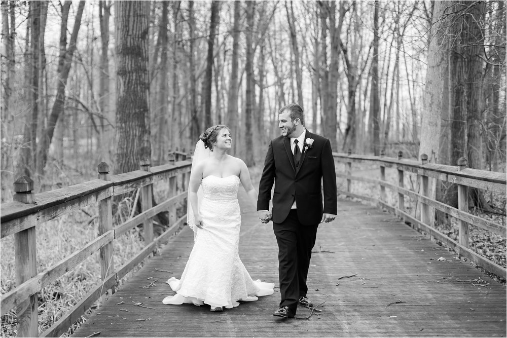 best-of-2016-wedding-photos-with-courtney-carolyn-photography-romantic-timeless-candid-wedding-photographer-in-detroit-mi_0030.jpg