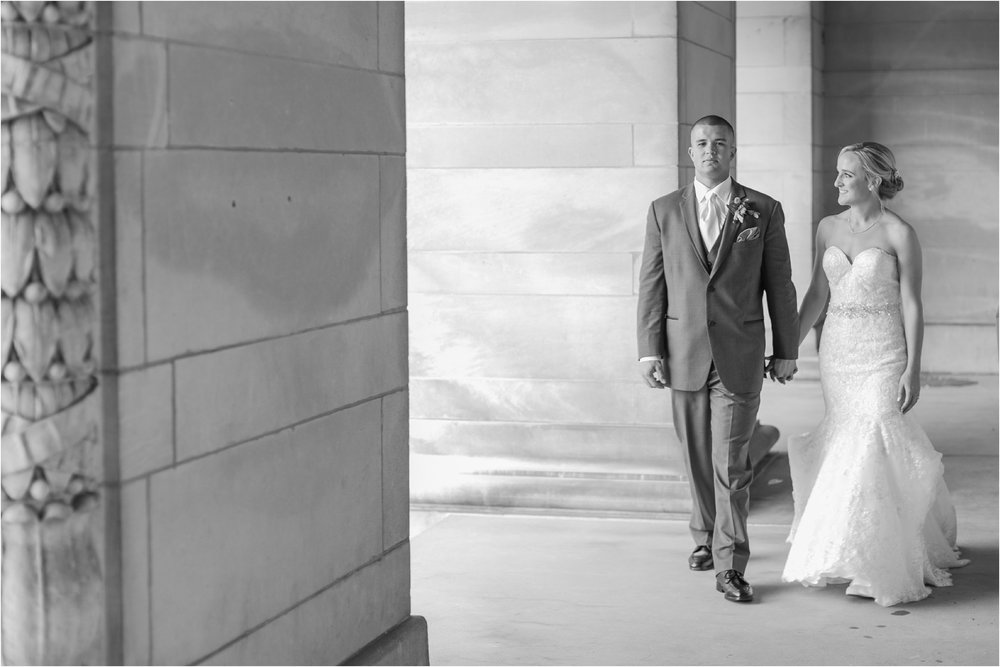 best-of-2016-wedding-photos-with-courtney-carolyn-photography-romantic-timeless-candid-wedding-photographer-in-detroit-mi_0095.jpg