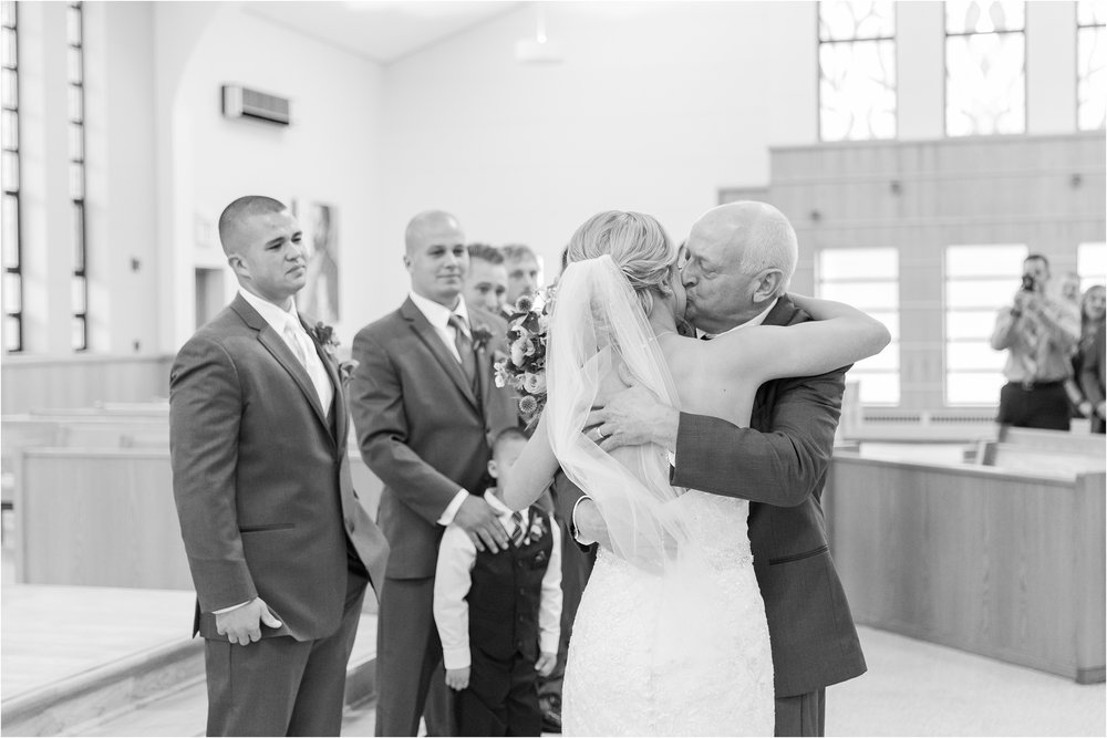 best-of-2016-wedding-photos-with-courtney-carolyn-photography-romantic-timeless-candid-wedding-photographer-in-detroit-mi_0093.jpg