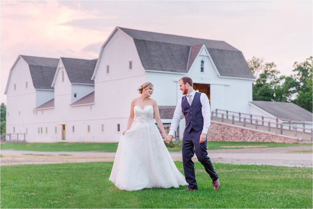 best-of-2016-wedding-photos-with-courtney-carolyn-photography-romantic-timeless-candid-wedding-photographer-in-detroit-mi_0037.jpg