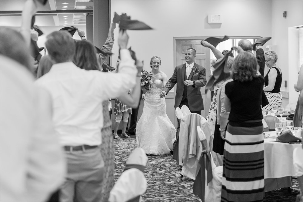 best-of-2016-wedding-photos-with-courtney-carolyn-photography-romantic-timeless-candid-wedding-photographer-in-detroit-mi_0097.jpg