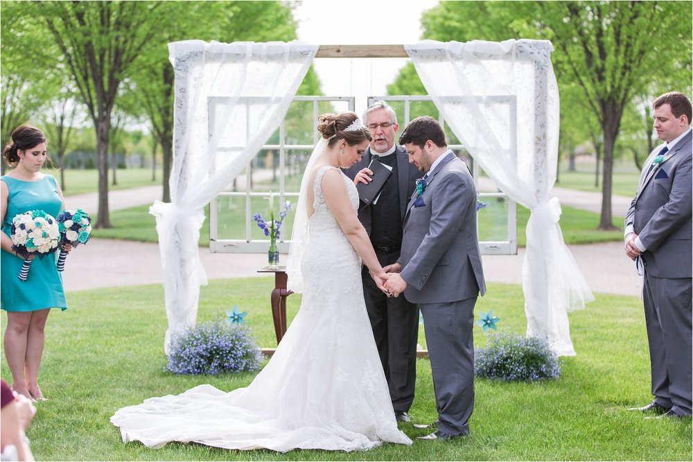 romantic-timeless-candid-wedding-photos-at-the-packard-proving-grounds-by-courtney-carolyn-photography_0007.jpg