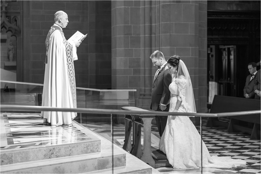 romantic-timeless-candid-wedding-photos-at-the-cathedral-of-the-most-blessed-sacrament-in-detroit-mi-by-courtney-carolyn-photography_0004.jpg