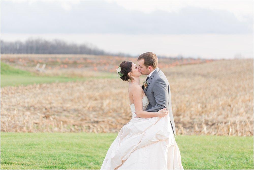 elegant-classic-timeless-candid-winter-wedding-photos-in-ann-arbor-mi-by-courtney-carolyn-photography_0001.jpg