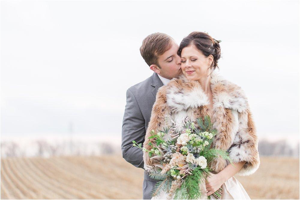 elegant-classic-timeless-candid-winter-wedding-photos-in-ann-arbor-mi-by-courtney-carolyn-photography_0011.jpg
