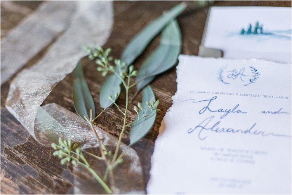 elegant-classic-timeless-candid-winter-wedding-photos-in-ann-arbor-mi-by-courtney-carolyn-photography_0016.jpg