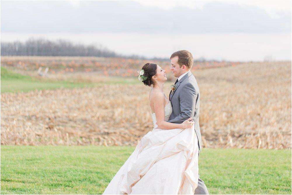 elegant-classic-timeless-candid-winter-wedding-photos-in-ann-arbor-mi-by-courtney-carolyn-photography_0022.jpg