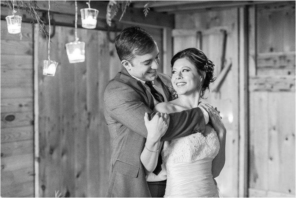 elegant-classic-timeless-candid-winter-wedding-photos-in-ann-arbor-mi-by-courtney-carolyn-photography_0024.jpg