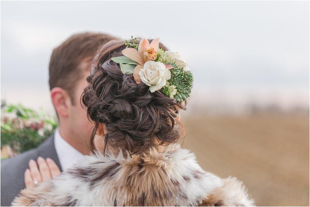 elegant-classic-timeless-candid-winter-wedding-photos-in-ann-arbor-mi-by-courtney-carolyn-photography_0030.jpg