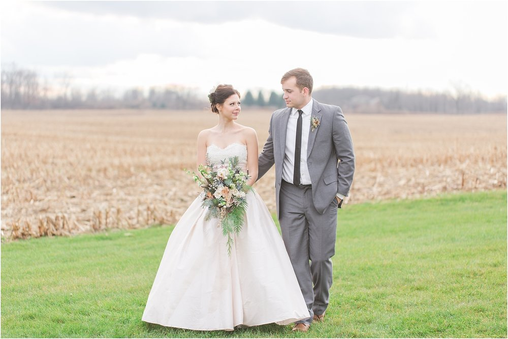 elegant-classic-timeless-candid-winter-wedding-photos-in-ann-arbor-mi-by-courtney-carolyn-photography_0031.jpg