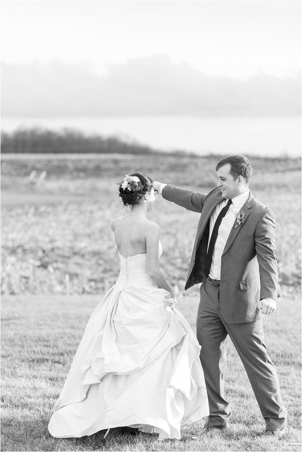 elegant-classic-timeless-candid-winter-wedding-photos-in-ann-arbor-mi-by-courtney-carolyn-photography_0035.jpg
