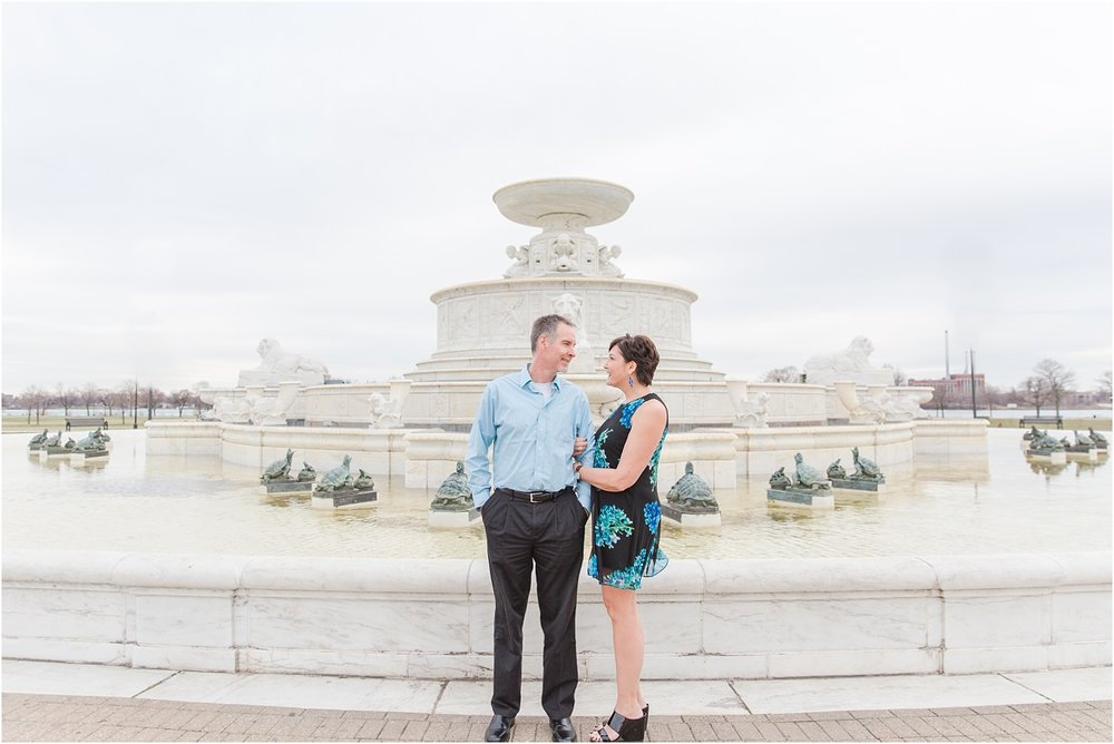downtown-detroit-engagement-photos-on-belle-isle-by-courtney-carolyn-photography_0001.jpg