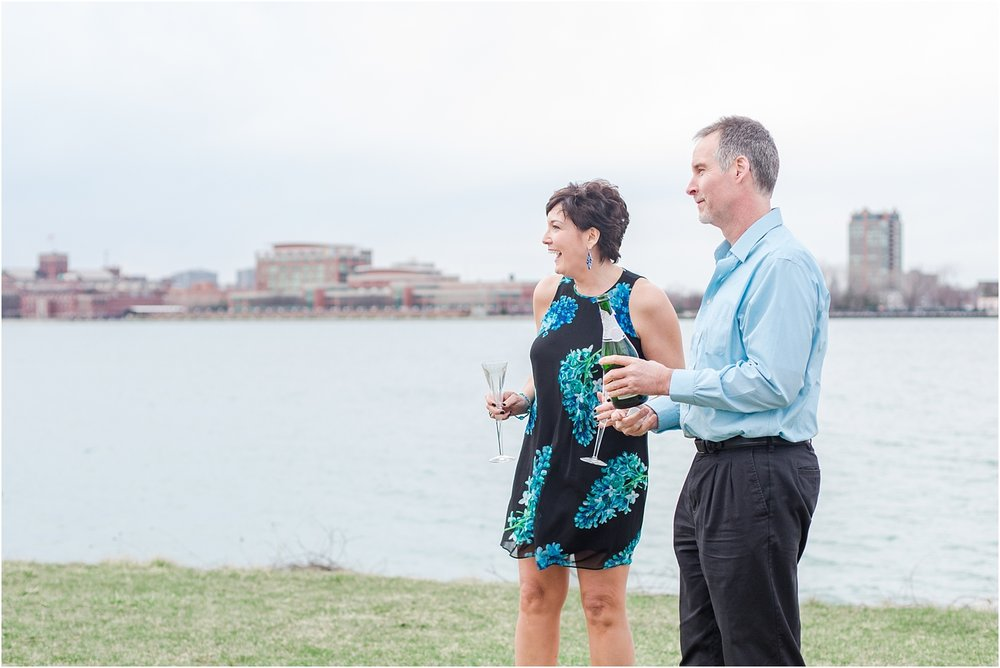 downtown-detroit-engagement-photos-on-belle-isle-by-courtney-carolyn-photography_0029.jpg