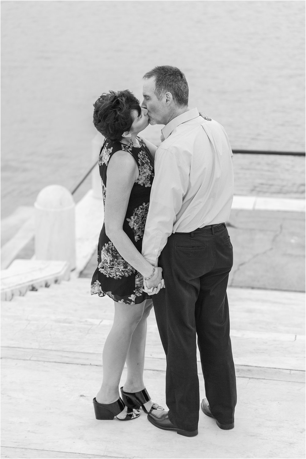 downtown-detroit-engagement-photos-on-belle-isle-by-courtney-carolyn-photography_0028.jpg