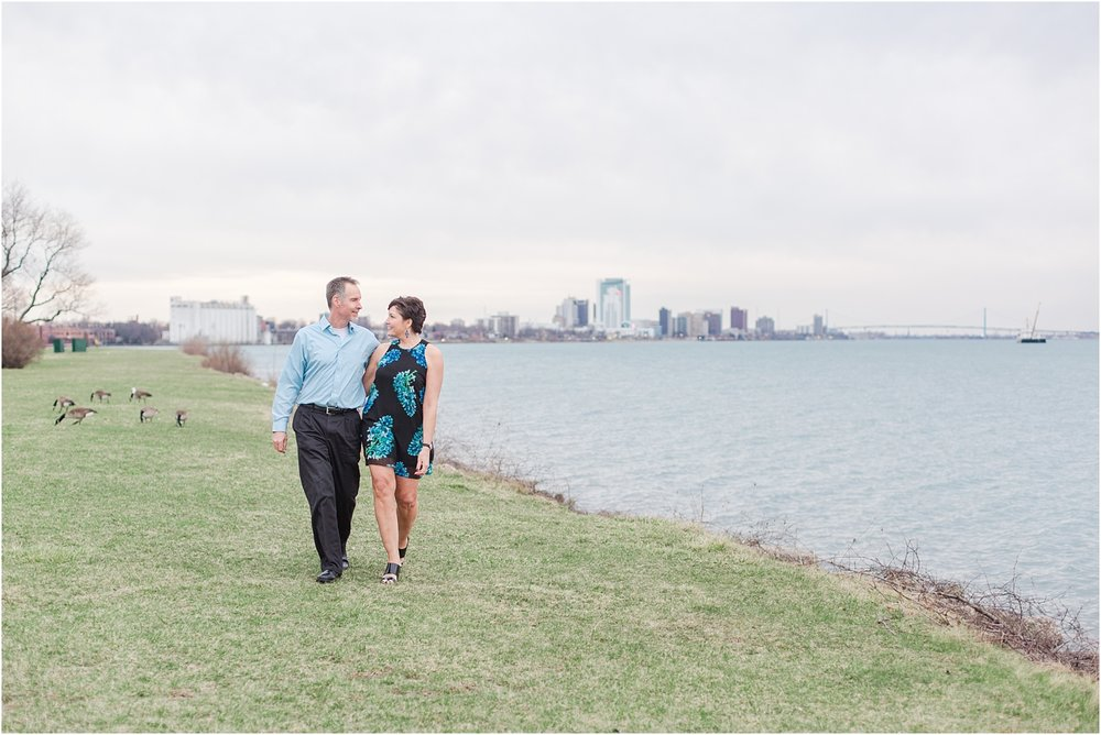 downtown-detroit-engagement-photos-on-belle-isle-by-courtney-carolyn-photography_0038.jpg