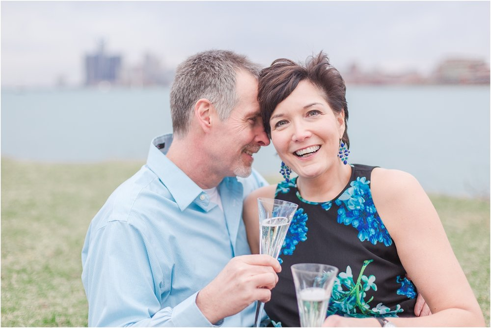 downtown-detroit-engagement-photos-on-belle-isle-by-courtney-carolyn-photography_0040.jpg