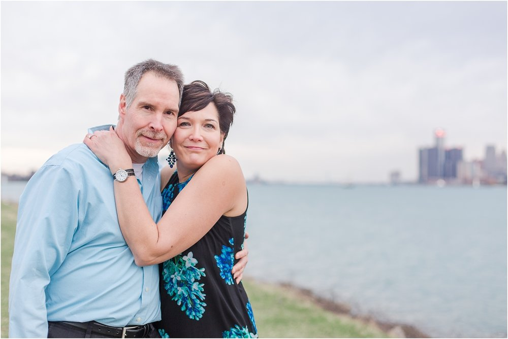 downtown-detroit-engagement-photos-on-belle-isle-by-courtney-carolyn-photography_0044.jpg