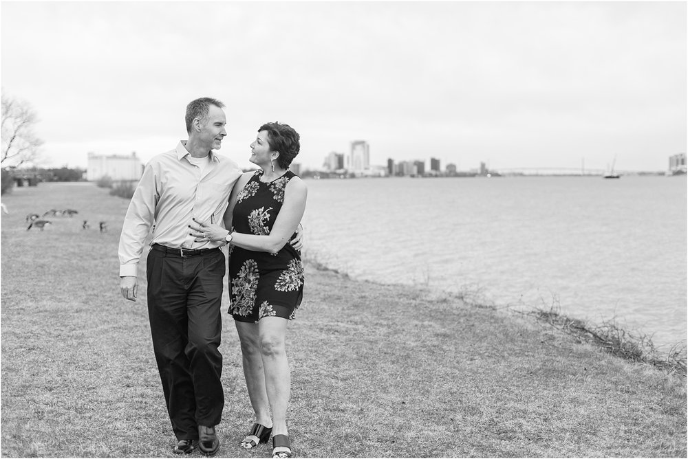 downtown-detroit-engagement-photos-on-belle-isle-by-courtney-carolyn-photography_0045.jpg