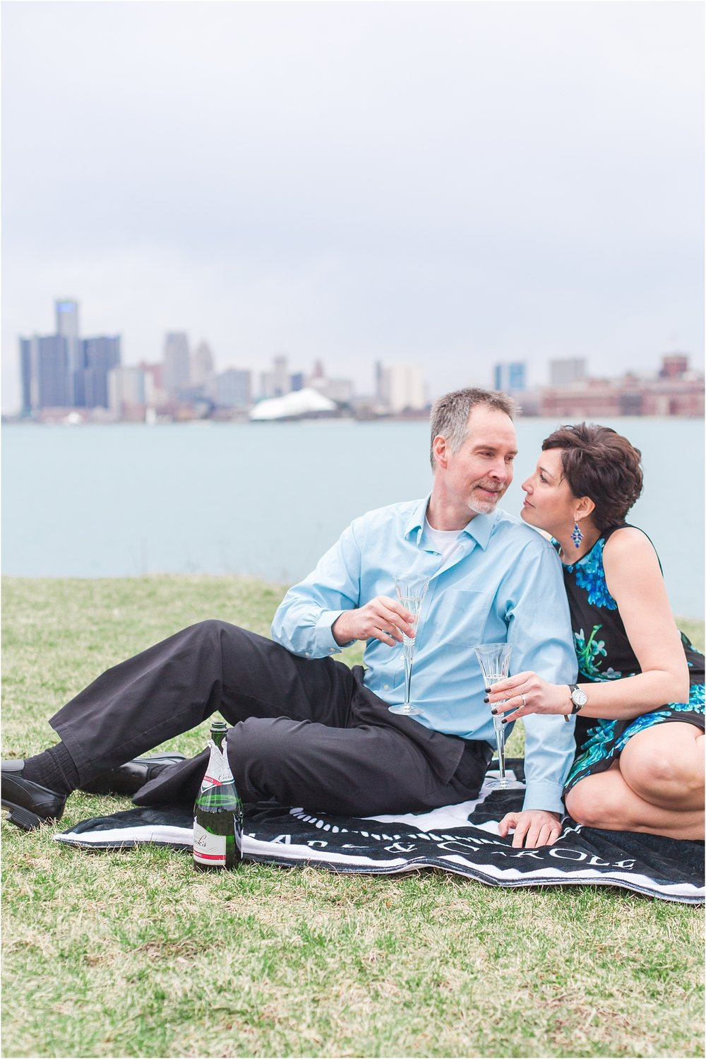downtown-detroit-engagement-photos-on-belle-isle-by-courtney-carolyn-photography_0043.jpg